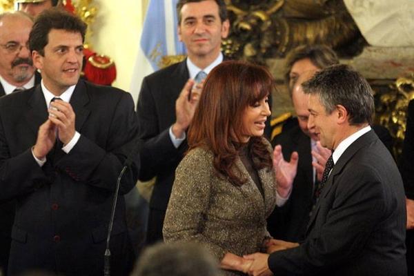 Los votos son de Cristina, pero se construye con el PJ, los gobernadores, Alberto F. y Massa