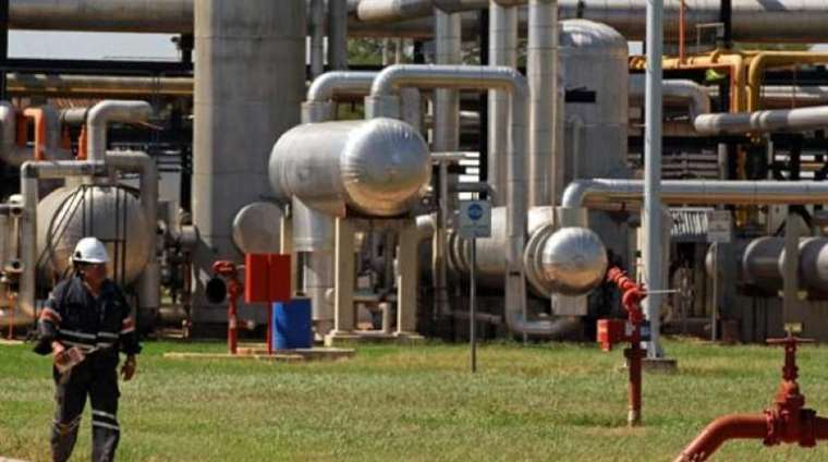 Por el Golpe, YPFB  podría suspender el envío de gas a la Argentina