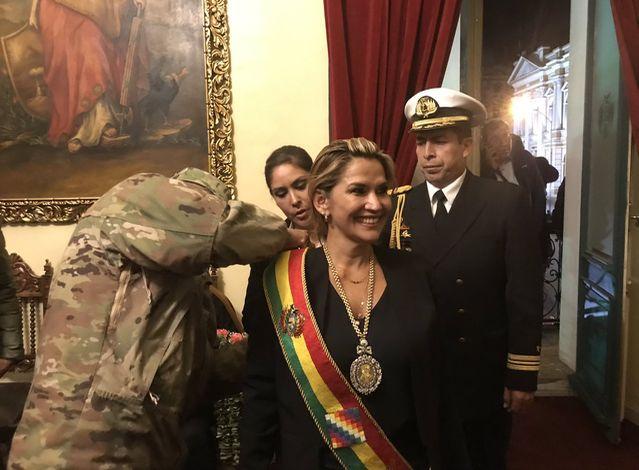 Alberto cuestionó a Trump, por sus felicitaciones a los militares bolivianos