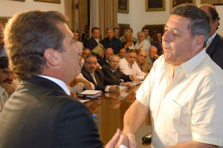 De Ángeli cacareó más ante la prensa que en el Congreso