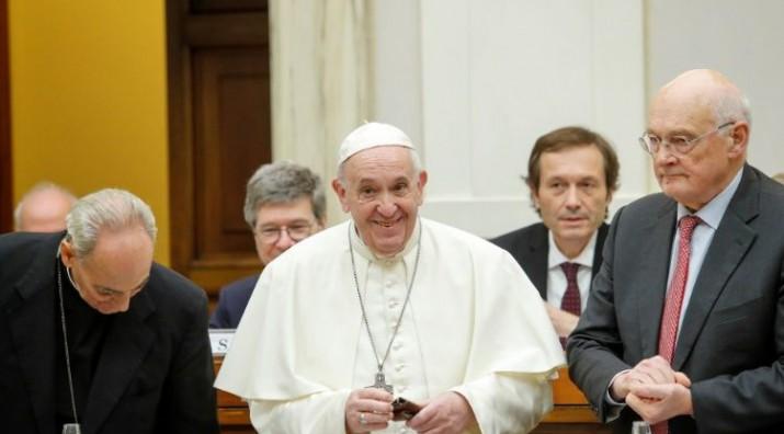 Tras el fallido del BID, Béliz fue llamado por el Papa