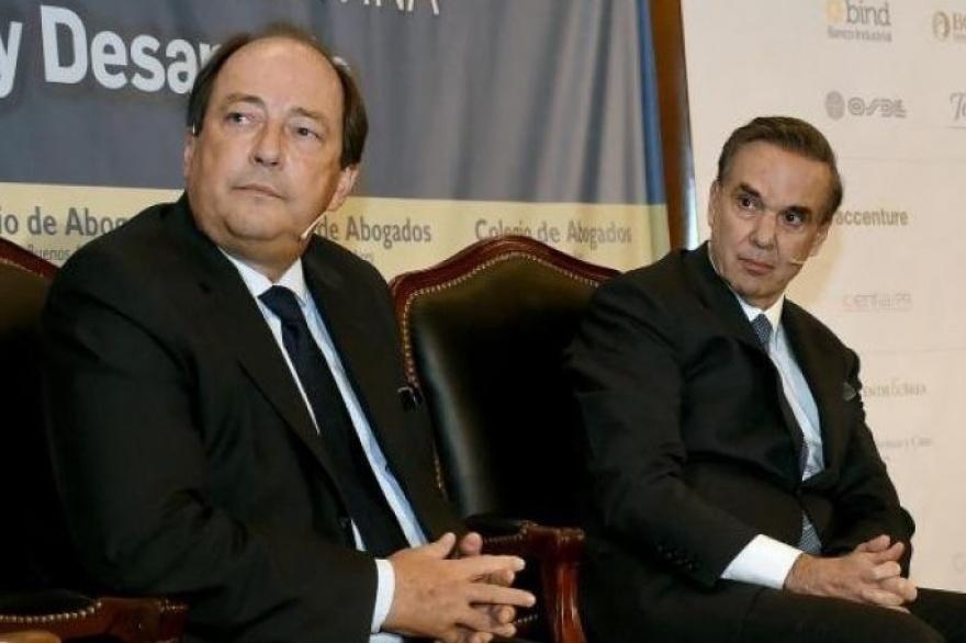 """""""Cristina avanza sin una red institucional que la pueda frenar"""""""