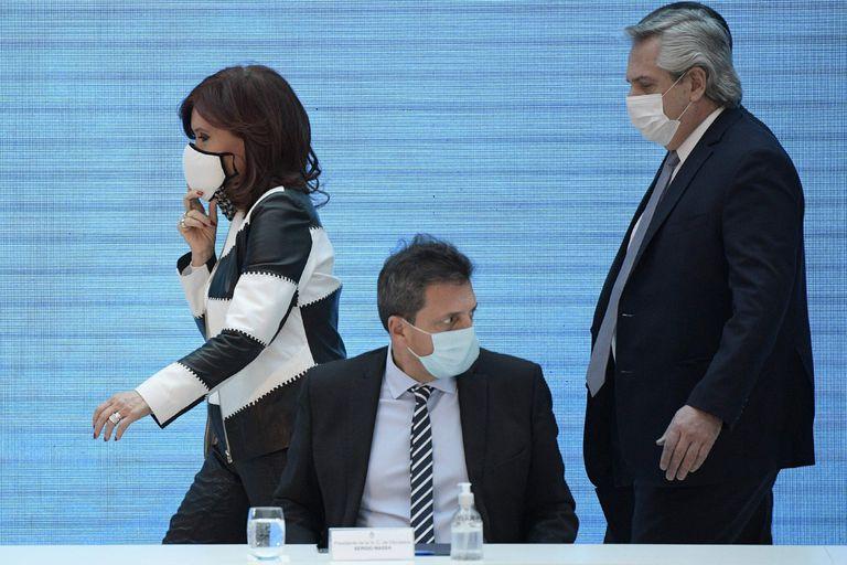 Abollados, Alberto y Cristina apelan a Massa para resolver la crisis del Gobierno